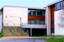 BOLZE & RODRIGUEZ Architecture à Paris / Collège Nicolas Tronchon à Saint Souplet (77) - Blocs de parement ELCO Coffrant (Procédé ELCOBLOC)
