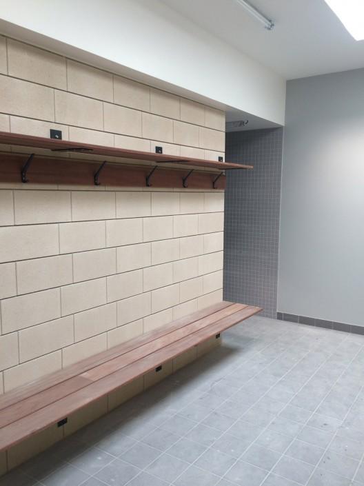 Salle de Sports à Schirrhein (67) : Agence Webert & Keiling à Strasbourg (67) - Blocs ELCO séparatif de 10 avec un Parement lisse ton Pierre