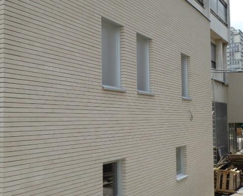 """Réhabilitation Centre Ville à Choiy-le-Roi """"la Dalle Orix"""" / Agence AMA ARCHITECTURE S'PACE - BRIQUES BlocStar As100 à Montage à Sec"""