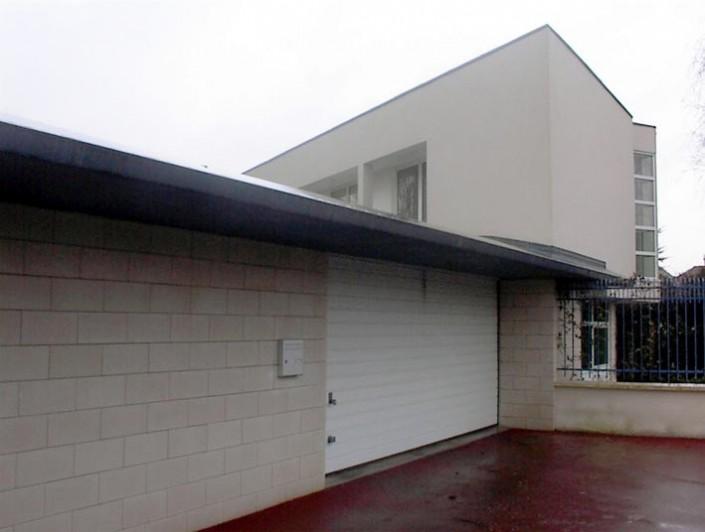 Garage Automobiles / Billard-Durand Architecture (Saint Contest 14) - Blocs ELCO Alvéolés