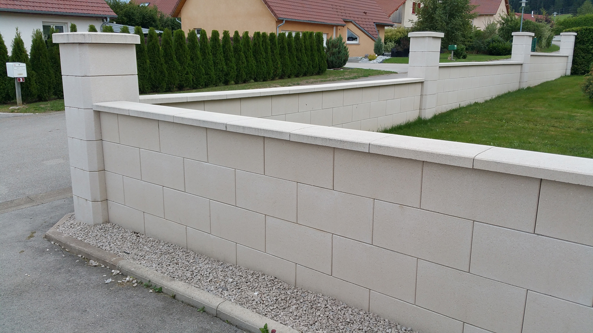 Mur de cl ture en blocs elco alv ol s parement lisse ton for Cloture en pierre