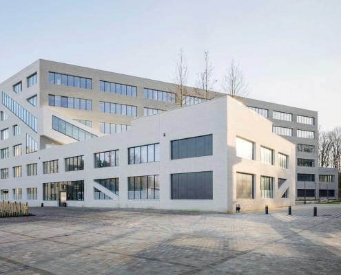 Bâtiment de Physique Université à Orsay : DBL Architecture à Paris (75020) - 3.500m² Briques BlocStar As100 à montage à Sec