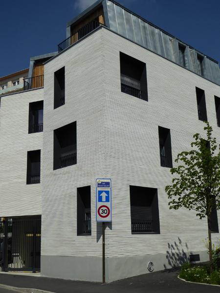 760 m² Briques BlocStar Am90 à maçonner parement Blanc pyrénée lisse