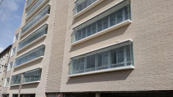 1.820 m² Briques BlocStar Am90 à maçonner parement Ton Pierre 60% en parement clivé et 40% en parement lisse / Joint Horizontal à Sec de 10 mm