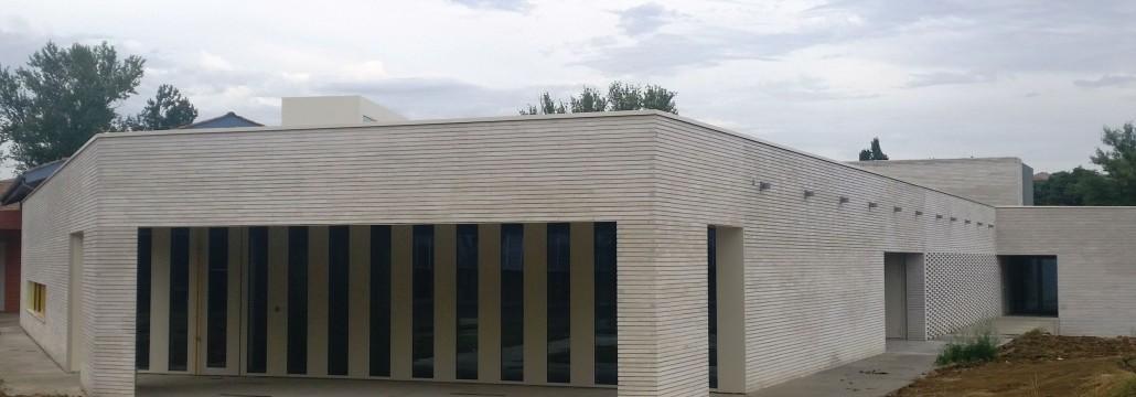810 m² Briques Am90 à Maconner Parement lisse Blanc Pyrénée / Joint Horizontal tiré au Fer