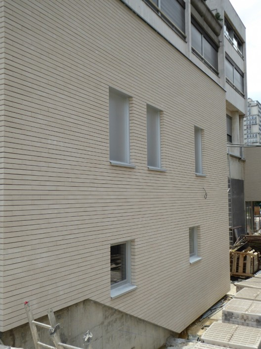 860 m² Briques BlocStar As100 à montage à sec / Parement lisse Ton pierre