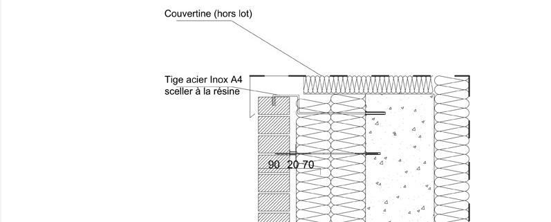 Recouvrement en tete de mur par une couvertine