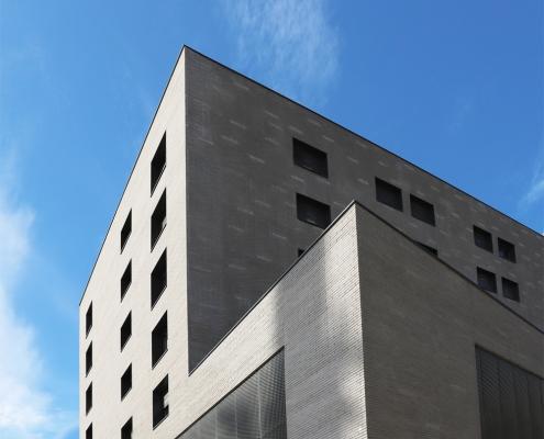 Open View R+17 Montaudran Aerospace à Toulouse (31) – Seura Architecte (75) – 9000 m² de briques BlocStar Am90 et AC19